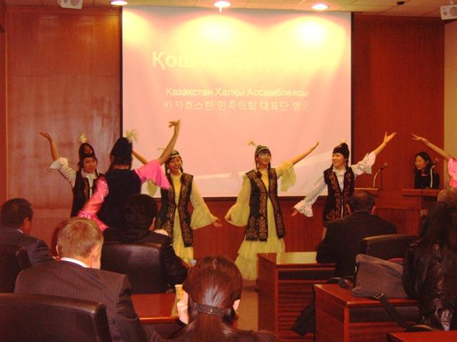 카자흐민족의회5.JPG